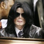 -2006-Funeral-of-James-Brown-michael-jackson-7410626-900-1166