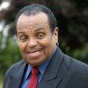 Joe Jackson Drops Case