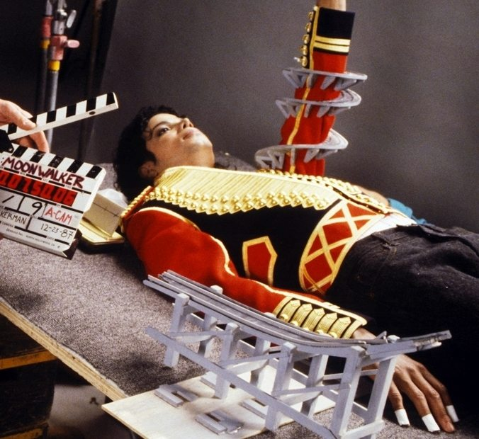 Behind The Scenes Of Leave Me Alone Michael Jackson