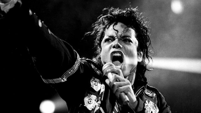 MJ-wallpapers-michael-jackson-31128130-1600-1200
