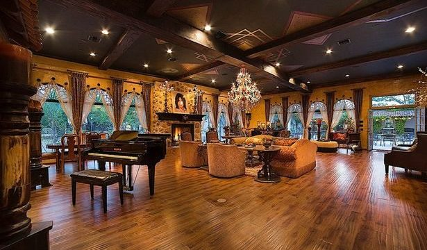 Michael-Jackson-Mansion