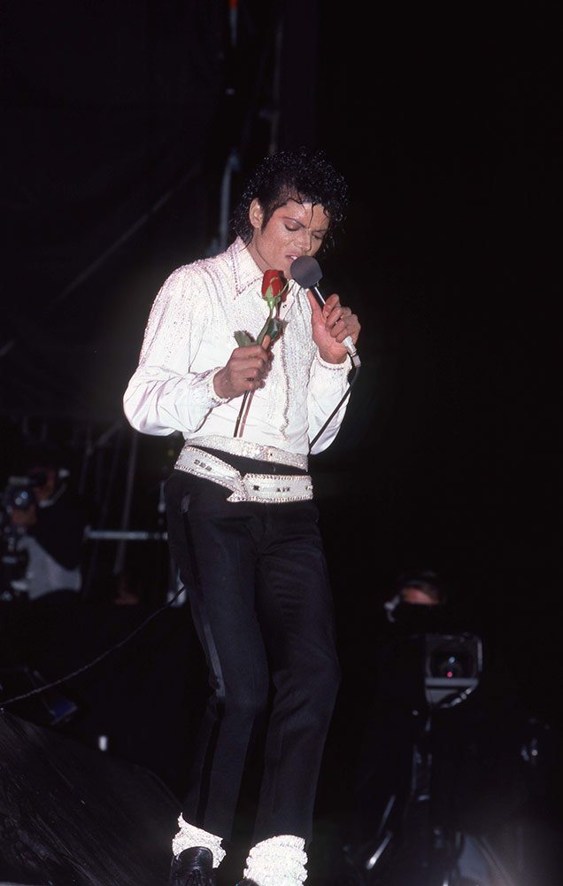 Michael_Jackson_Slide_CL_061