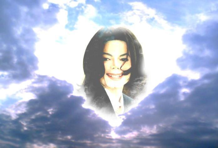 We-All-Love-You-So-Much-Michael-3-michael-jackson-13250351-696-475