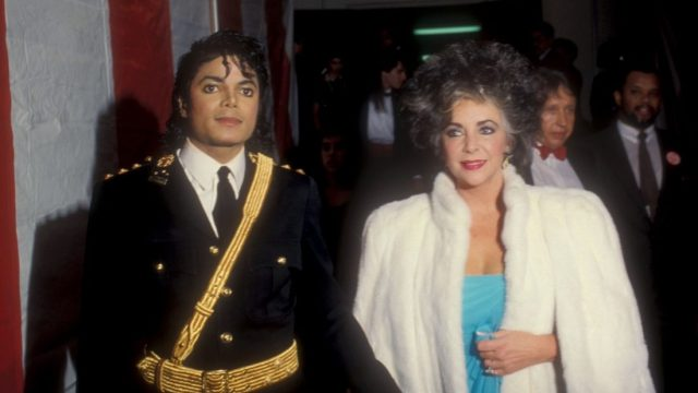 michael-and-elizabeth-taylor-attend-the-14th-annual-american-music-awards(36)-m-14