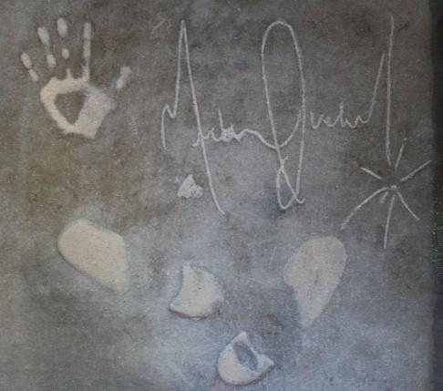 hand_stone