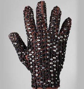 ama_glove