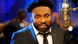Andraé Crouch Passes Away