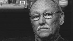 Tom Sneddon Dies