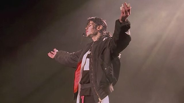 Earth Song – This Is It Rehearsals