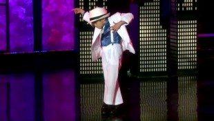 Mini MJ Dancer Has All The Right Moves