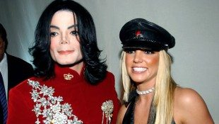 Britney Spears Pays Tribute To Michael