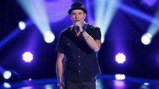 Josh Logan Sings 'MITM'